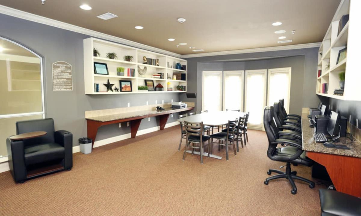 Business Center at Listing #146117