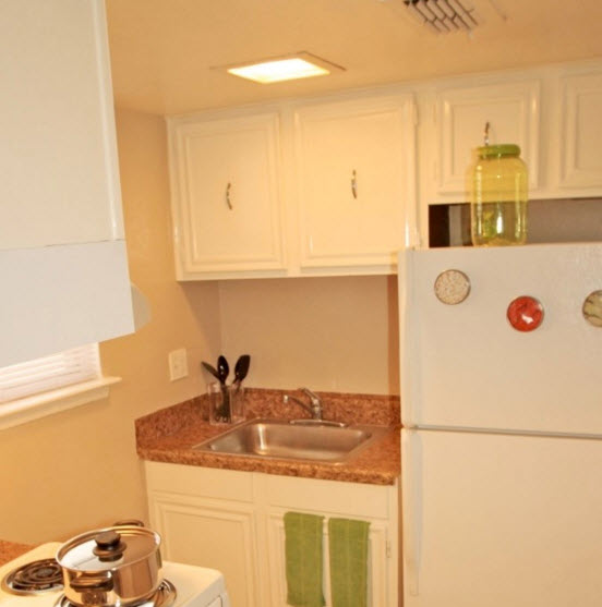 Kitchen at Listing #140343
