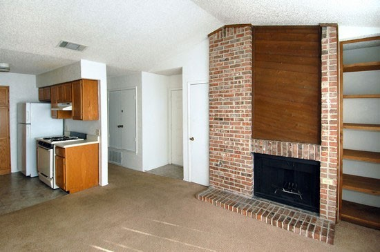 Living at Listing #140300