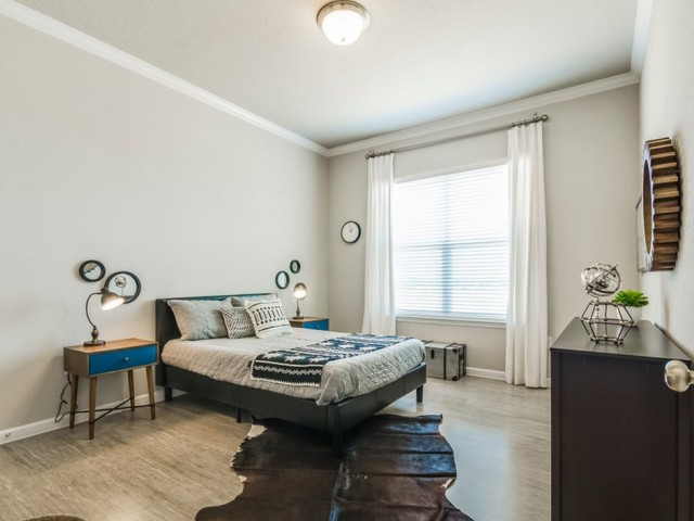 Bedroom at Listing #289249