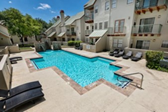 Pool at Listing #141321