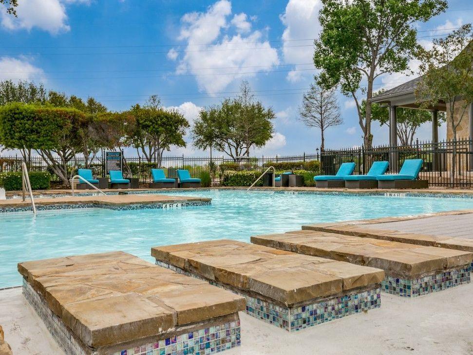 Pool at Listing #137862