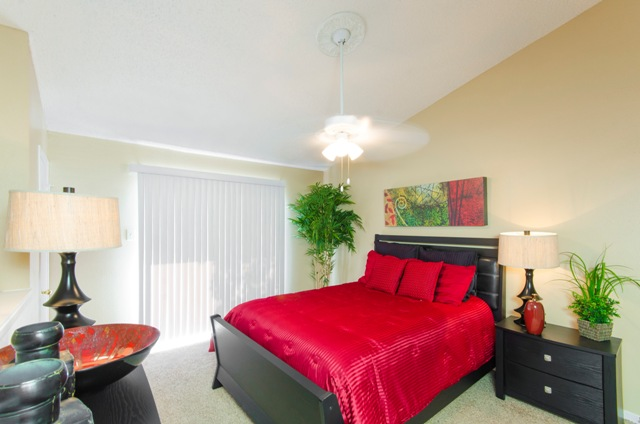 Bedroom at Listing #136912