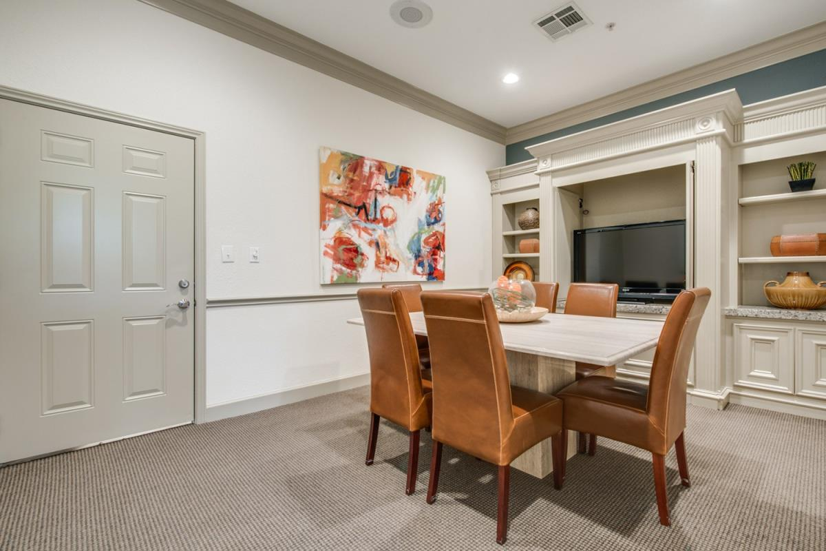 Dining at Listing #139716