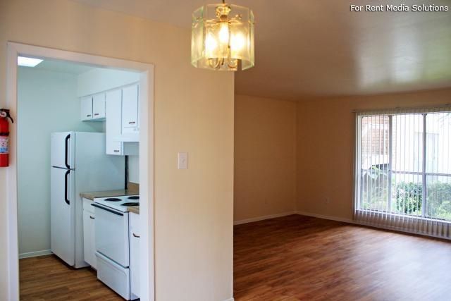 Living/Kitchen at Listing #139642
