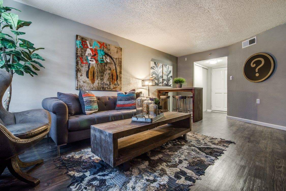 Living at Listing #136148