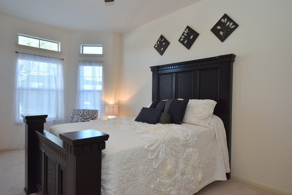 Bedroom at Listing #151520