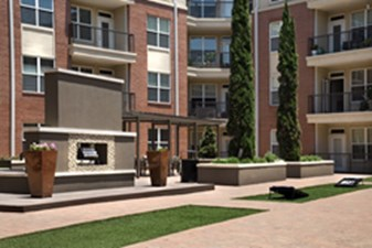 Courtyard at Listing #145666