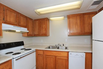 Kitchen at Listing #139227