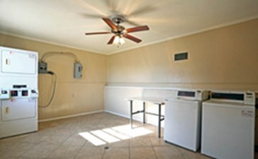 Laundry Room at Listing #140502