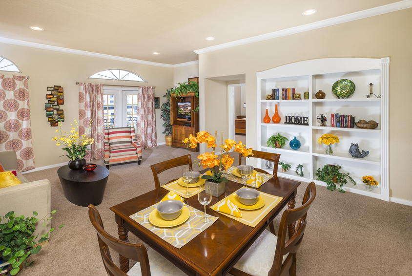 Dining at Listing #141360
