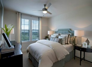 Bedroom at Listing #149858
