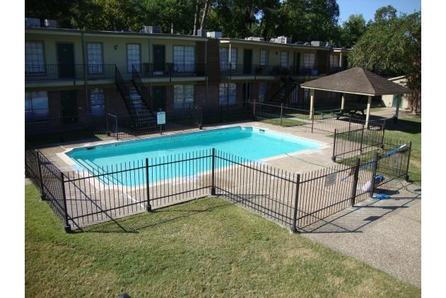 Pool at Listing #140069