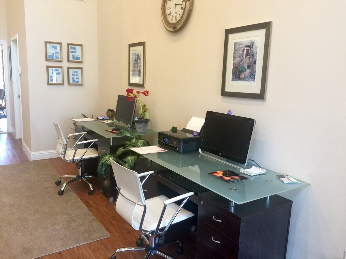 Business Center at Listing #138267