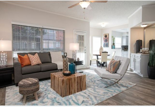 Living Area at Listing #136810