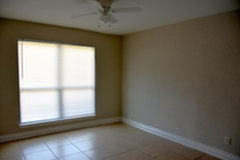 Bedroom at Listing #139329