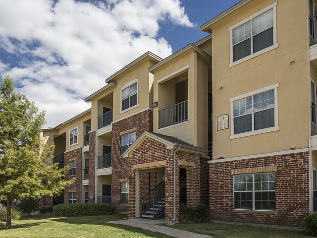 Knightsbridge Apartments , TX