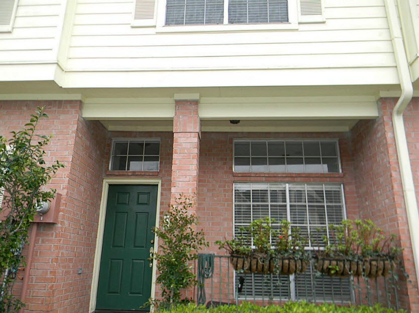 Exterior at Listing #138711