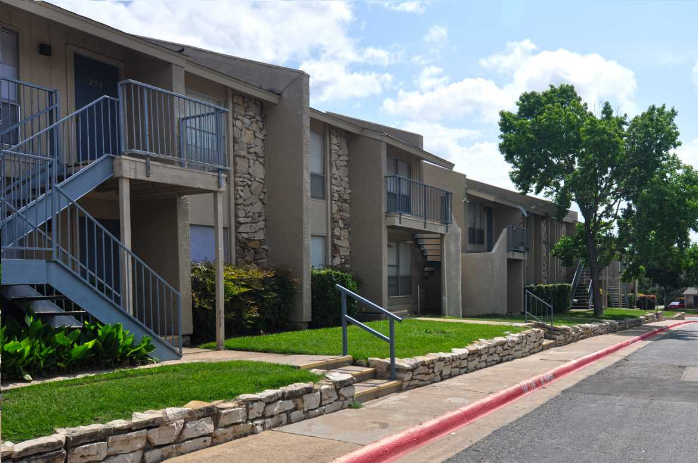 Lake Colony ApartmentsGarlandTX