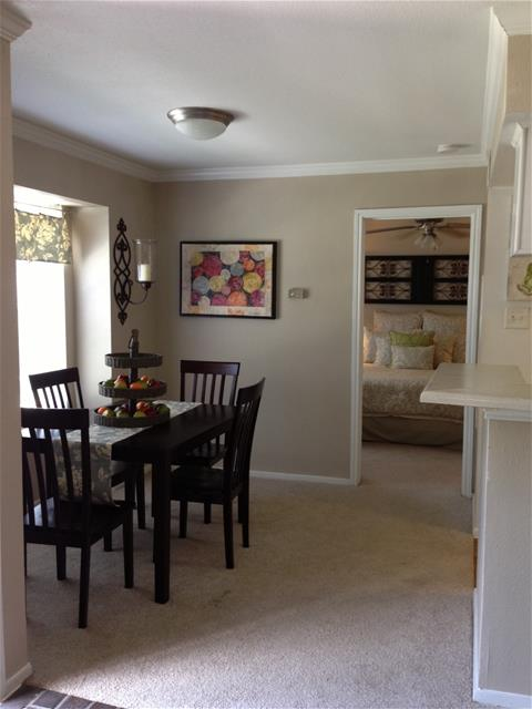 Dining at Listing #138540