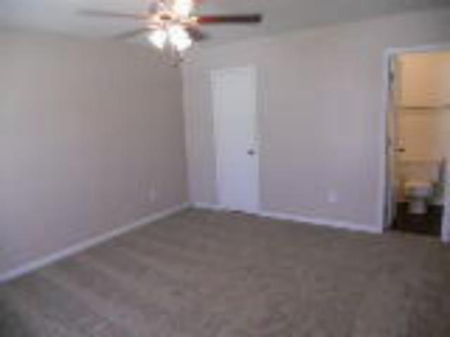 Bedroom at Listing #136534