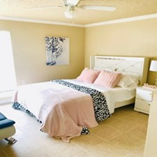 Bedroom at Listing #140038