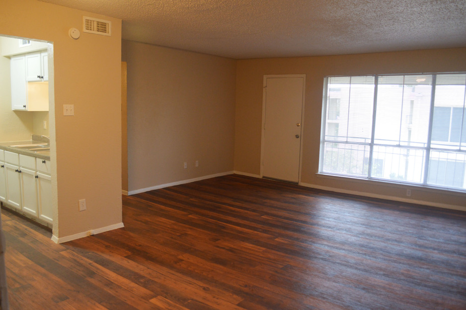 Living at Listing #137351