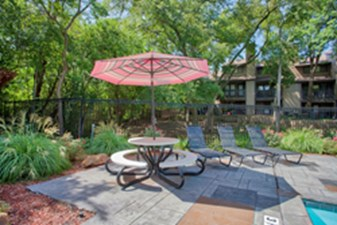 Lounge at Listing #135838