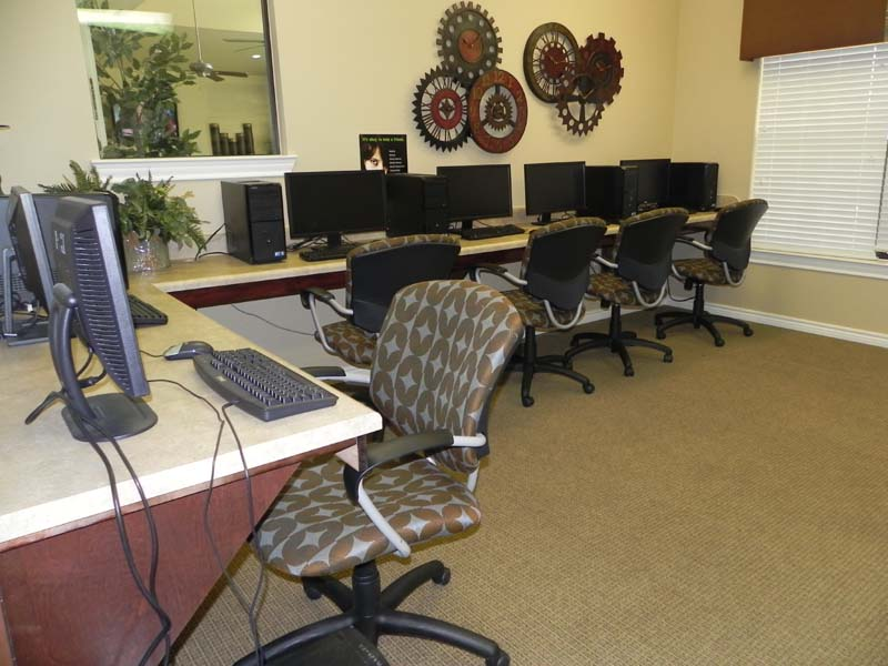 Business Center at Listing #137235