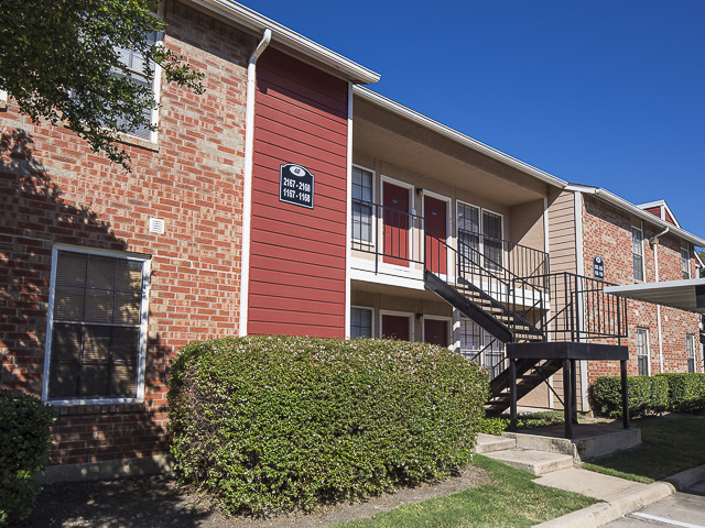 Creekside Village Apartments Plano TX