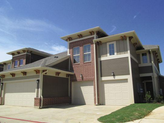 Exterior at Listing #247383