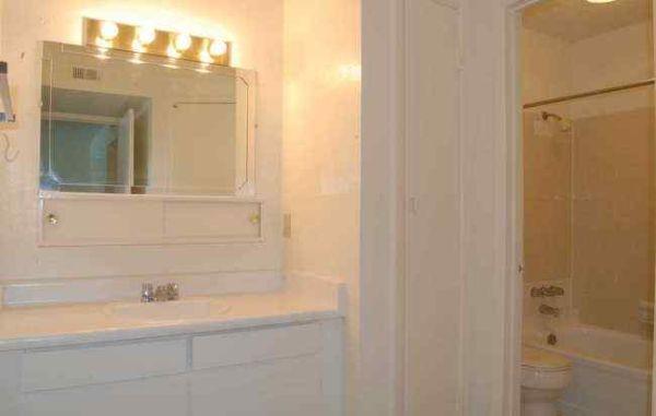 Bathroom at Listing #141106