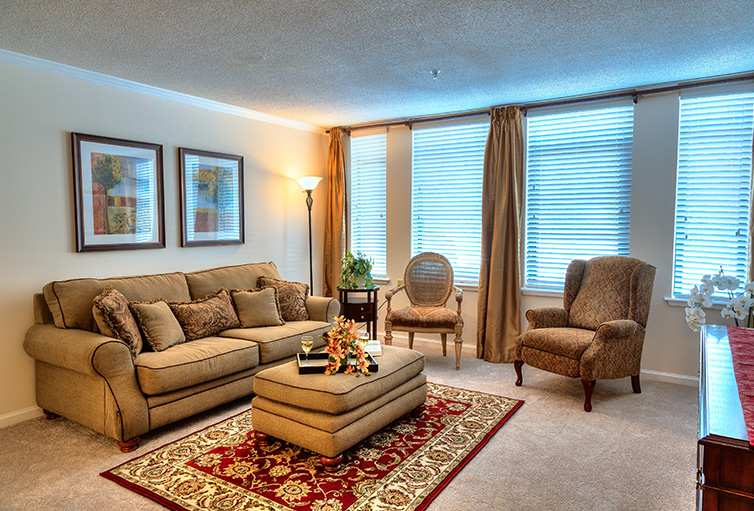 Living Room at Listing #147793