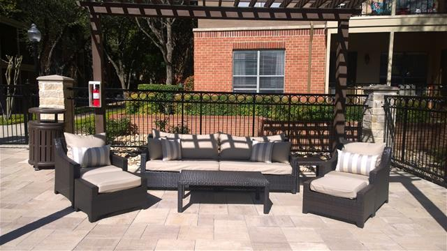 Lounge at Listing #137276