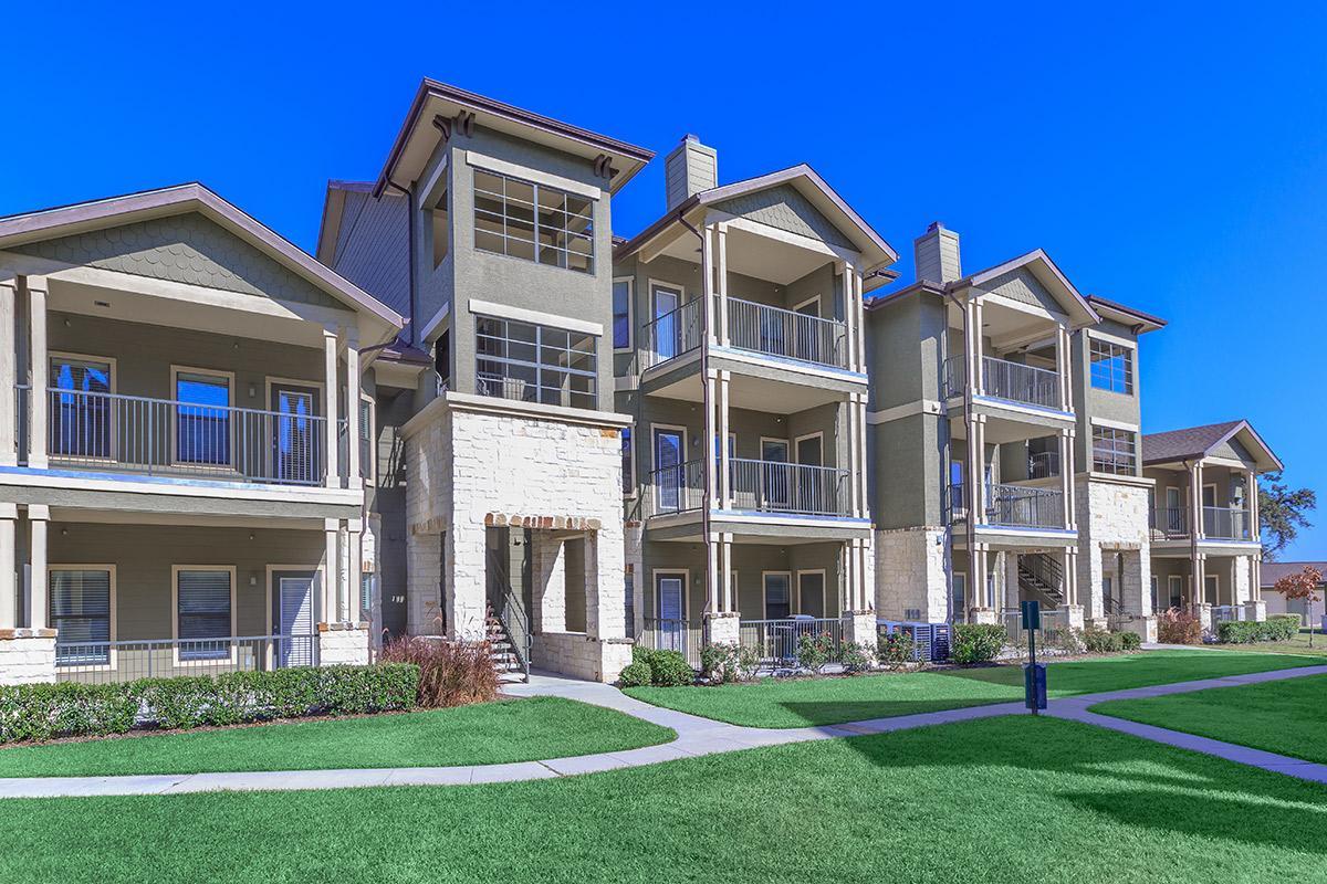 Hollow Tree Parc Apartments Houston TX