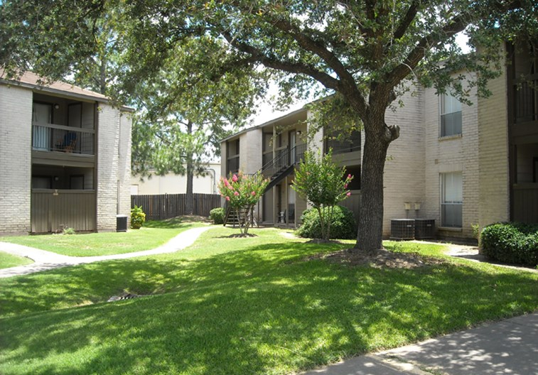 Bell Oaks Village Apartments