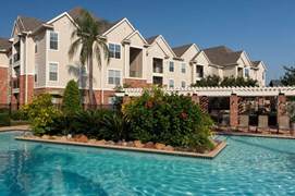 Royal Oaks at Westchase Apartments Houston TX
