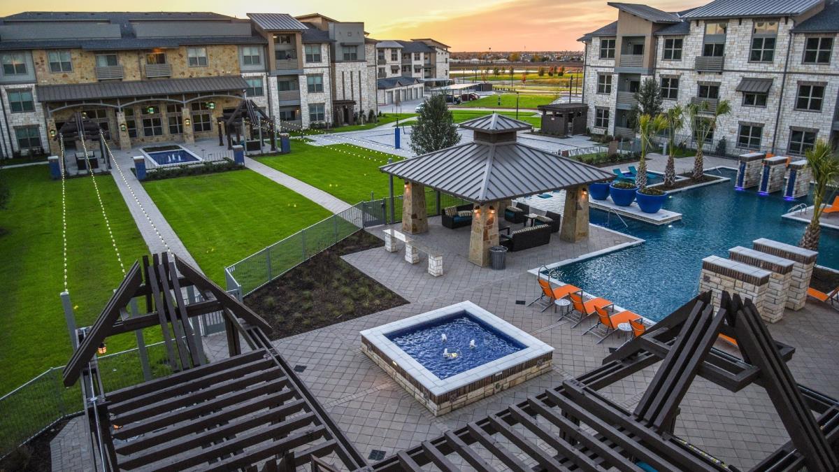 Gateway Oaks Apartments Forney TX