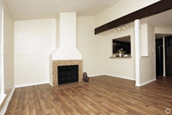 Living/Dining at Listing #135774