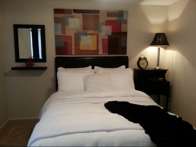 Bedroom at Listing #141358