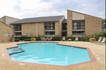 Pool at Listing #136280