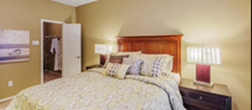 Bedroom at Listing #137071