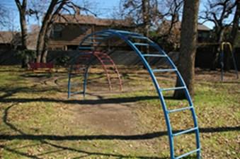 Playground at Listing #135696