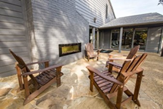 Fire Pit at Listing #136431