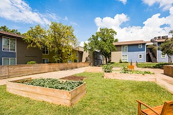 Courtyard at Listing #136557