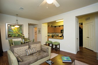 Living Area at Listing #144673