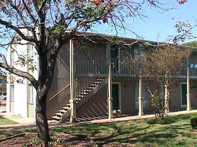 Exterior at Listing #136637