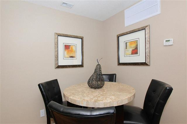 Dining at Listing #138695