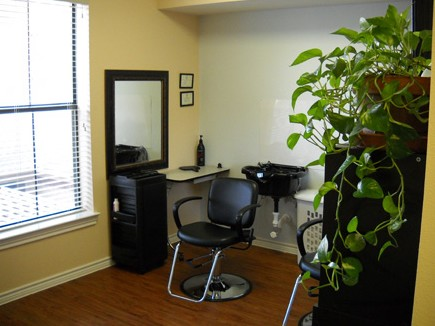 Salon at Listing #147781