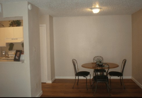 Dining at Listing #140450